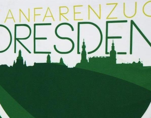 BANDSTYLE-FANFARENZUG-DRESDEN-FANFARENTUCH-2