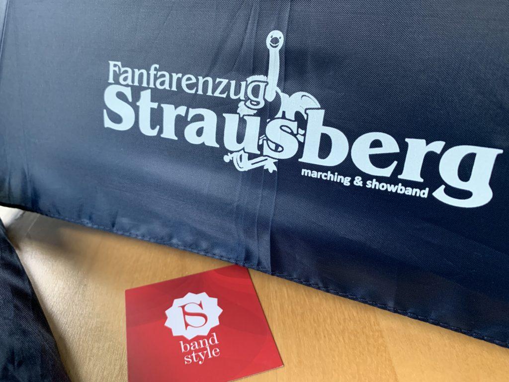 Regen-Schirme für den Fanfarenzug Strausberg