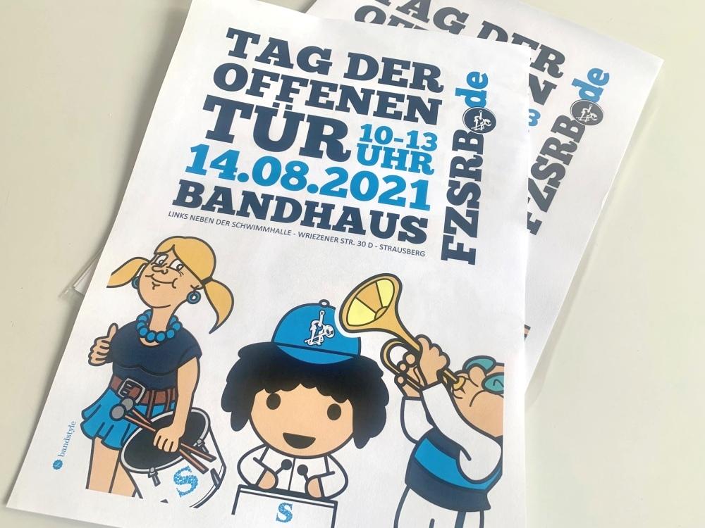 Bandstyle-Fanfarenzug-Strausberg-TagderoffenenTuer-01